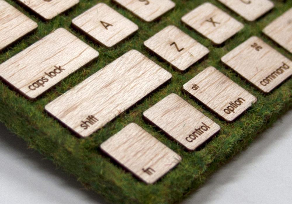 Robbie Tilton's wooden mossy keyboard