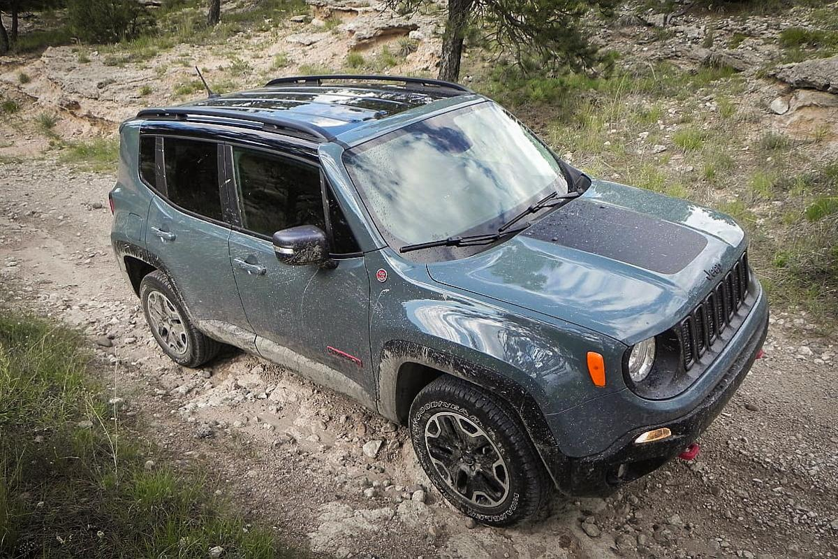 In the realm of subcompact crossovers, the Renegade Trailhawk is the only truly trail-capable vehicle on offer