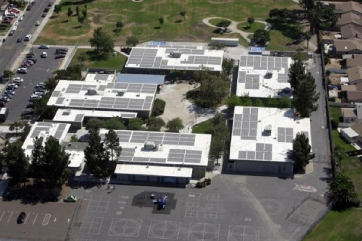 Solar schools: Standley Middle School (147 kW) in San Diego
