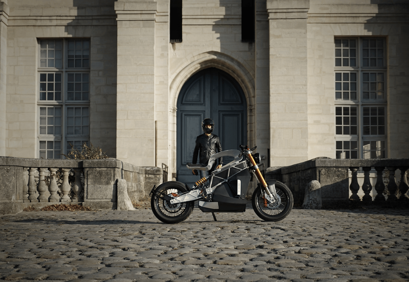 The Essence e-Raw: a two-wheeled test of valor