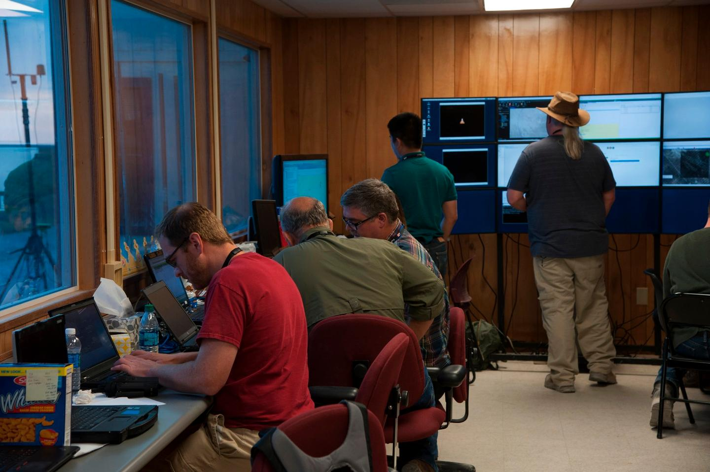 The ECBC team in theControl Room at Dugway Proving Ground