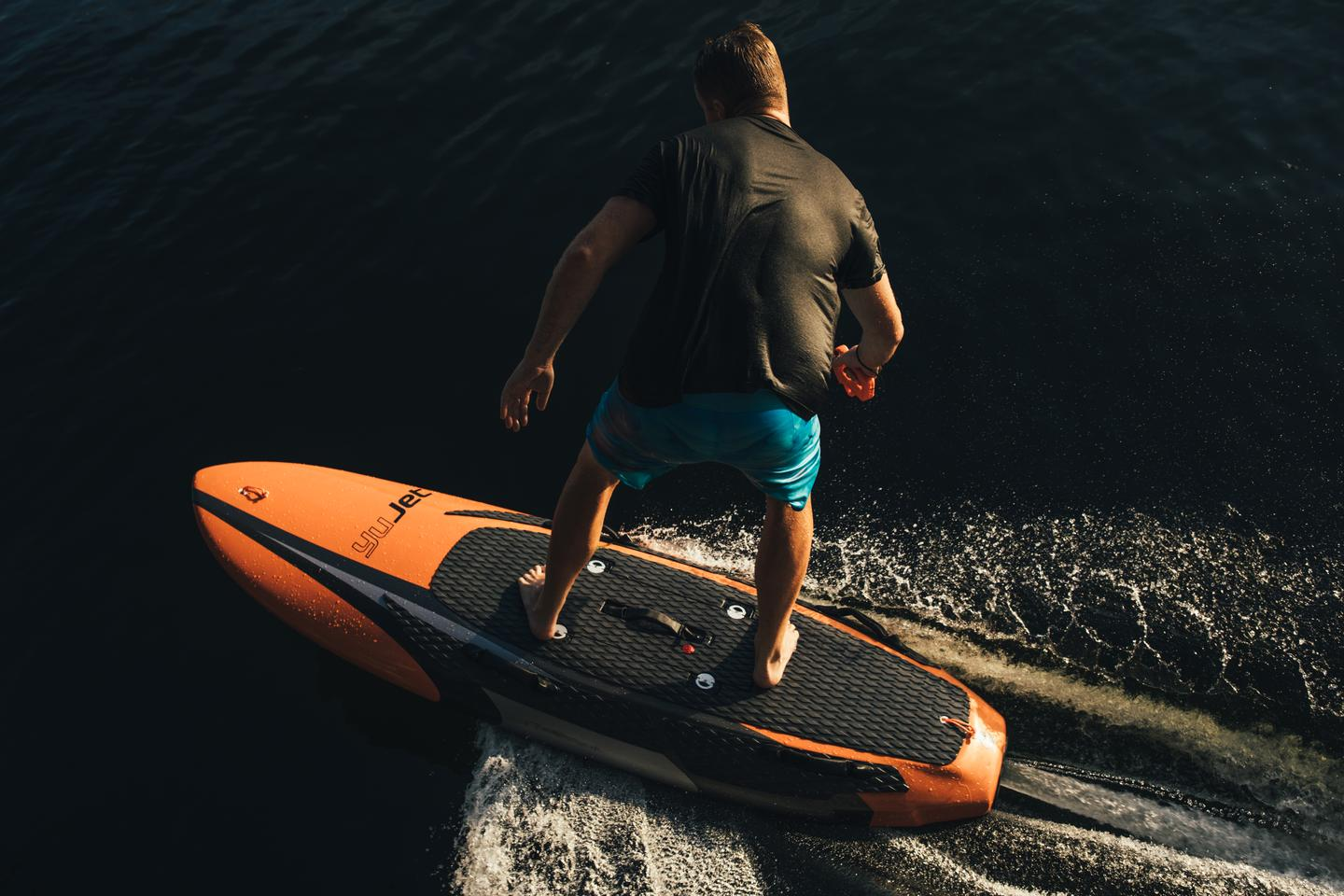 The YuJet Surfer is controlled using a wireless hand-held remote, which offers two performance modes