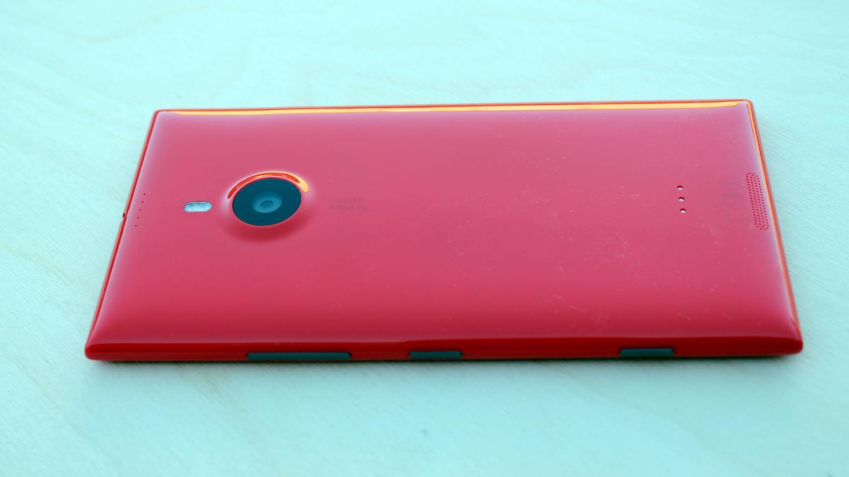 We're fans of the Lumia series' smooth polycarbonate build