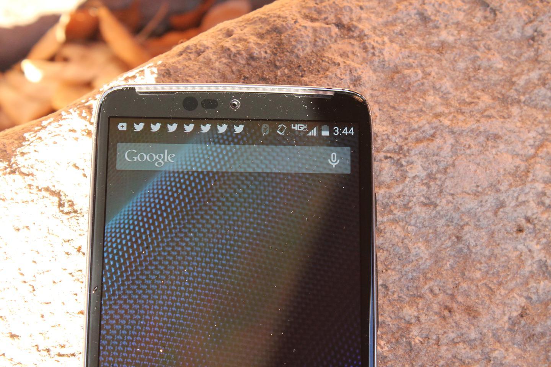 The Droid Turbo runs near stock Android (Photo: Eric Mack/Gizmag.com)