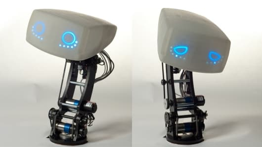 The small dashboard robot that allows AIDA to communicate with the driver