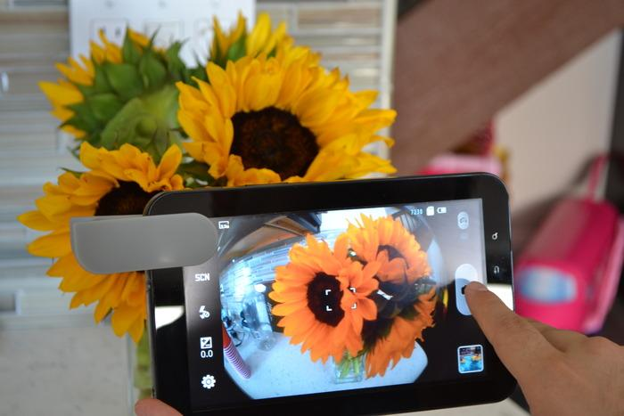 The Mobi-Lens working with an Android tablet