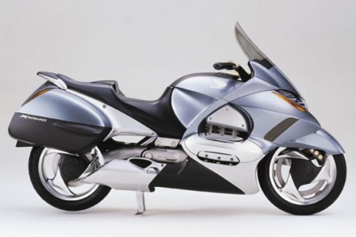 Honda's X-wing prototype was shown at the 1999 Tokyo Motor Show. The X-Wing featured an electronically adjustable fairing, ventilation, screen height, seat height and backrest.