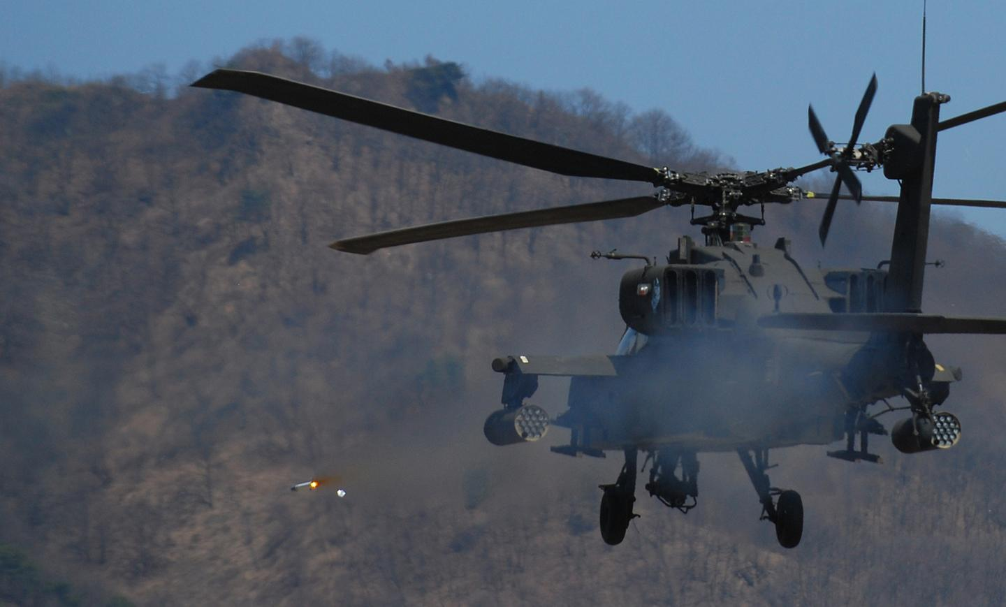 The first Apache attack helicopters to deploy GFAS will be those of 1-101 Aviation based in Fort Campbell some twelve months from now, significantly reducing the vulnerability of the relatively slow, low-flying Boeing AH-64 Apache in combat.