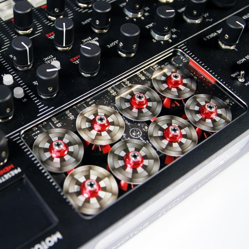 The Motor Synth is an analog synthesizer that uses digitally-controlled electromotors as its main sound source