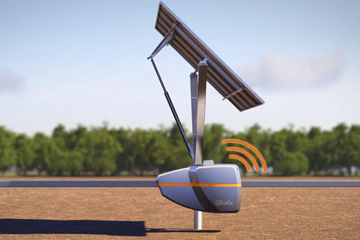 """The """"Solbot"""" optimizes the orientation of the solar panel in relation to the sun"""