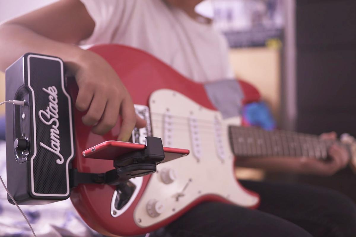 The JamStack puts a digital tone arsenal at a player's fingertips