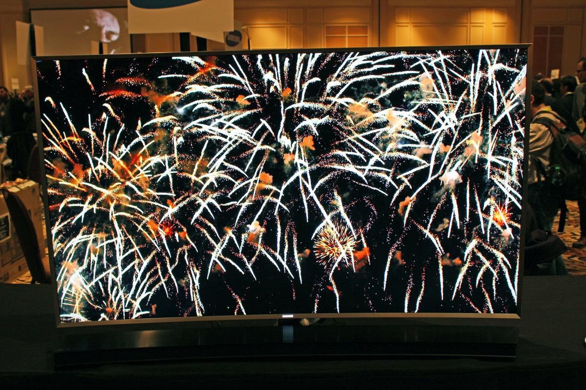 Unveiled at CES, Samsung's SUHD LCD TVs offer picture quality comparable to OLED TVs (Photo: Will Shanklin/Gizmag.com)