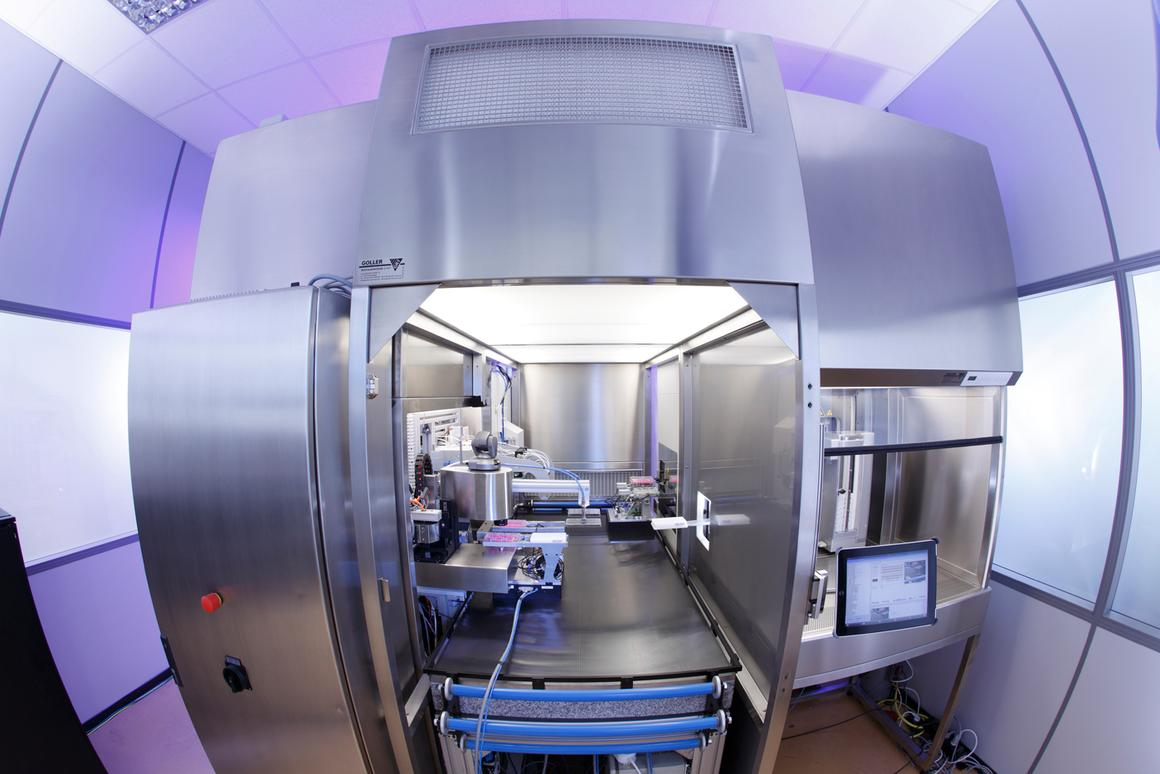 Fraunhofer has developed a system that automatically cultivates and observes cell cultures