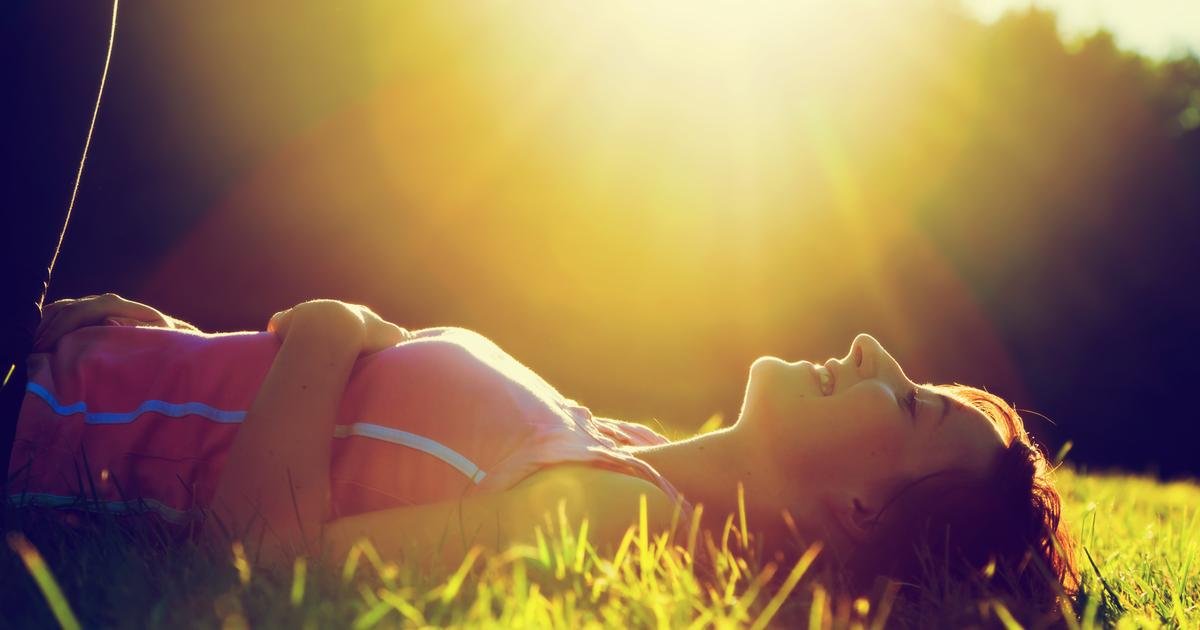 How sunlight on the skin directly affects the gut microbiome