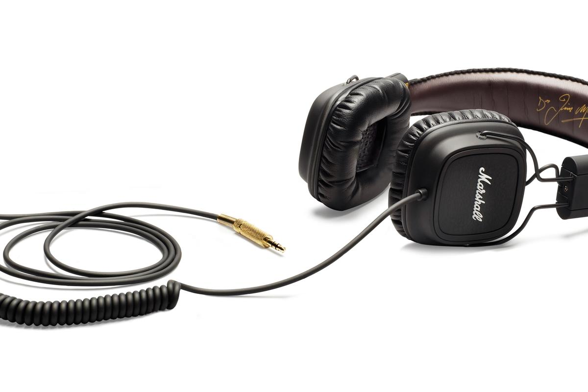 Marshall's first foray into the personal headphone market takes the form of over-the-head full heaphones named Major