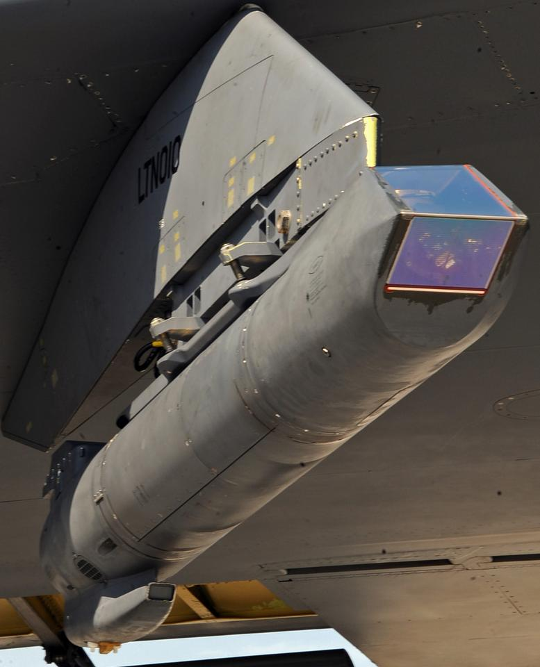 Sniper pod under the wing of a B-52H Stratofortress (Image: USAF/Staff Sgt. Jason McCasland)