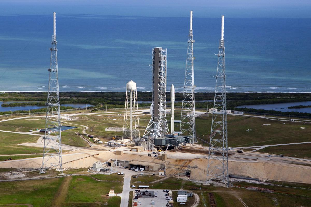 An artist's impression of Orbital ATK's Next Generation Launch (NGL) System on pad 39-B at NASA's Kennedy Space Center. NGL vehicles will have the ability to operate from both east and west coast launch facilities.