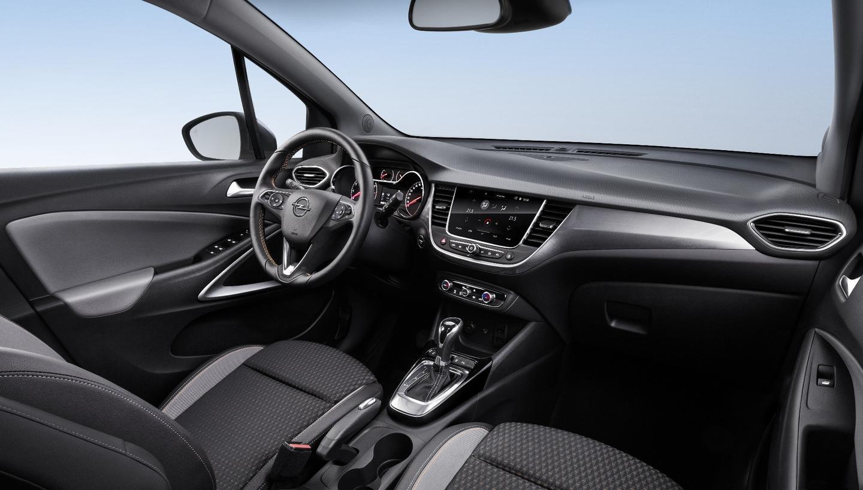 Behind the wheel of the Opel Crossland X