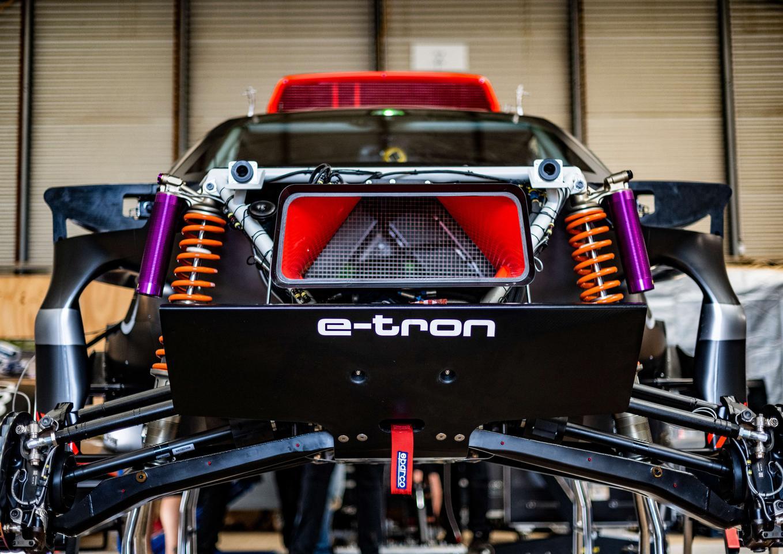 Audi builds a Darkar-ready chassis around a range-extending electric powertrain