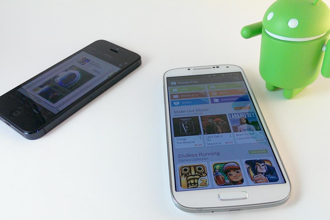 Under the microscope: Samsung Galaxy S4 vs  iPhone 5