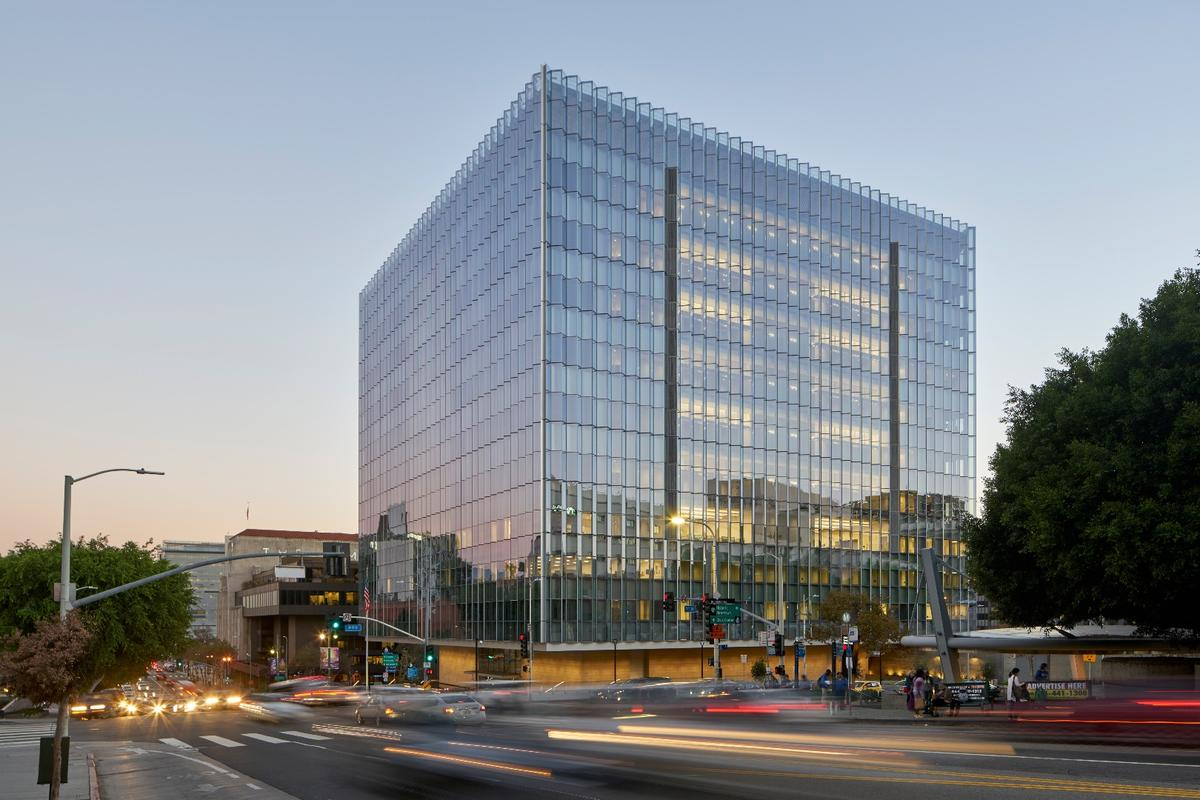 The New United States Courthouse, designed by Skidmore, Owings & Merrill, is one of the 2018 COTE Top Ten Awards winners