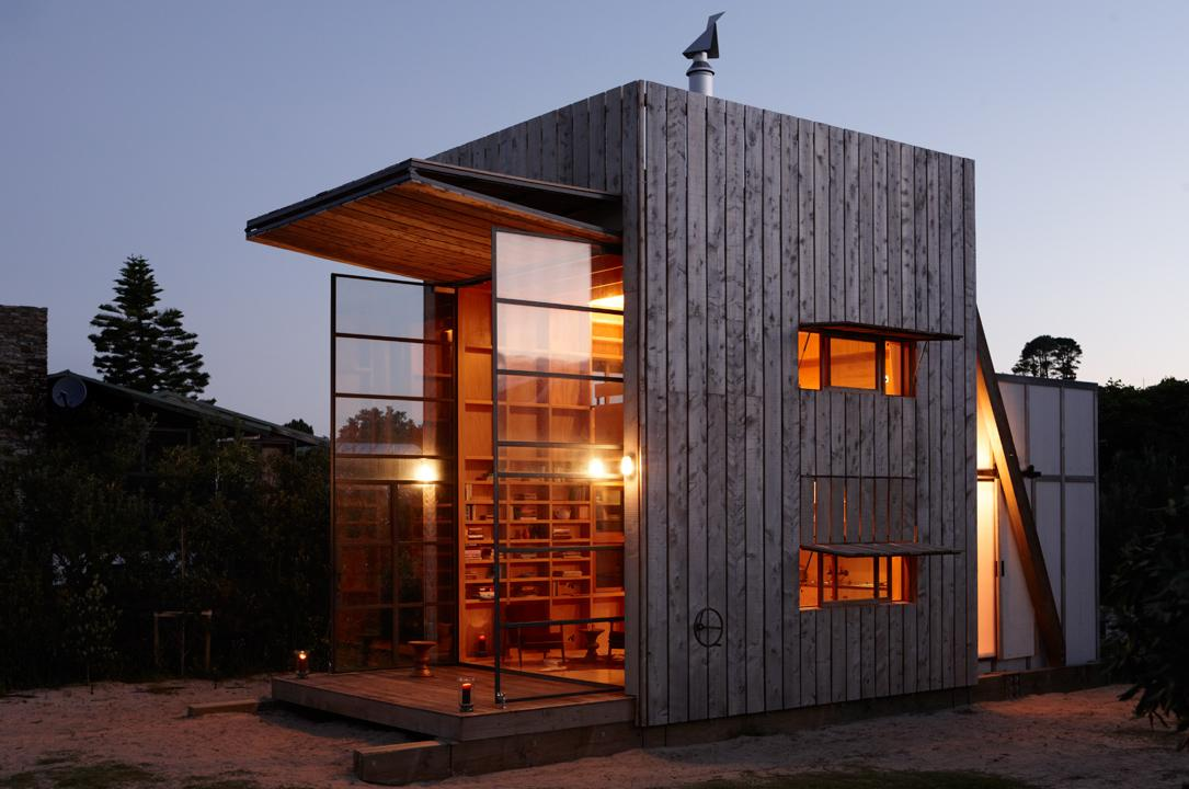 Hut on Sleds: the mother of all beach huts? (Photo: Jackie Meiring)