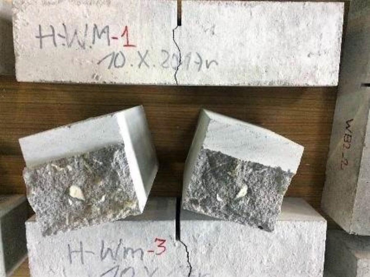 Samples of the mineral wool-containing mortar