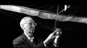 Dr. Paul MacCready 1925-2007Source: AeroVironment (www.avinc.com)