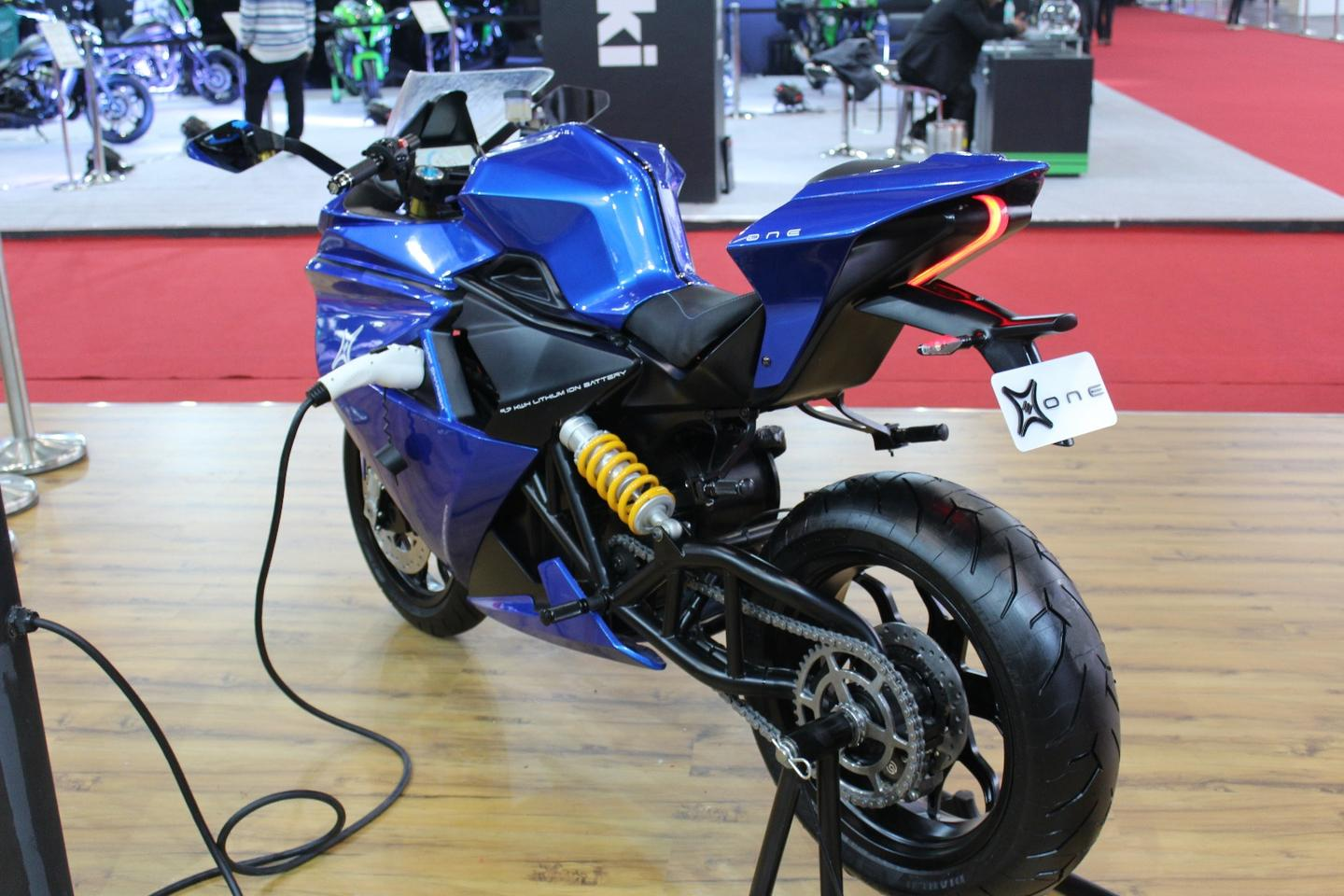 Electric Sports Bike >> Sub 10k Emflux One Electric Sportsbike Makes Some Mighty Claims