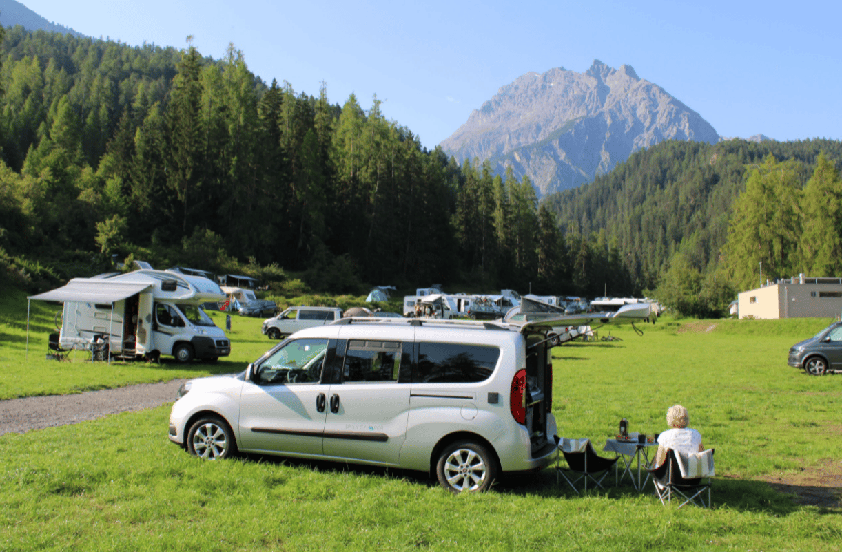 Enjoying nature and camper company in the Dailycamper