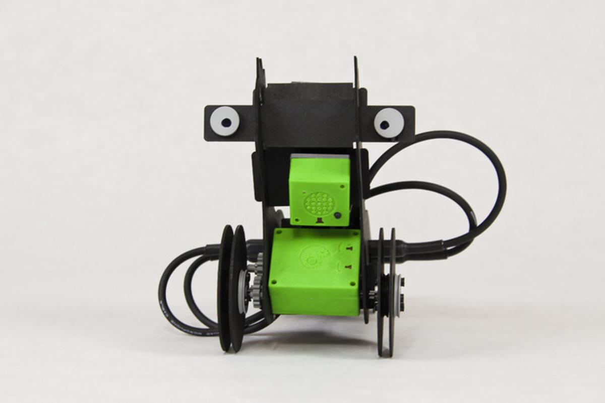 This light-avoiding robot is made from a combination of ATOMS and craft materials