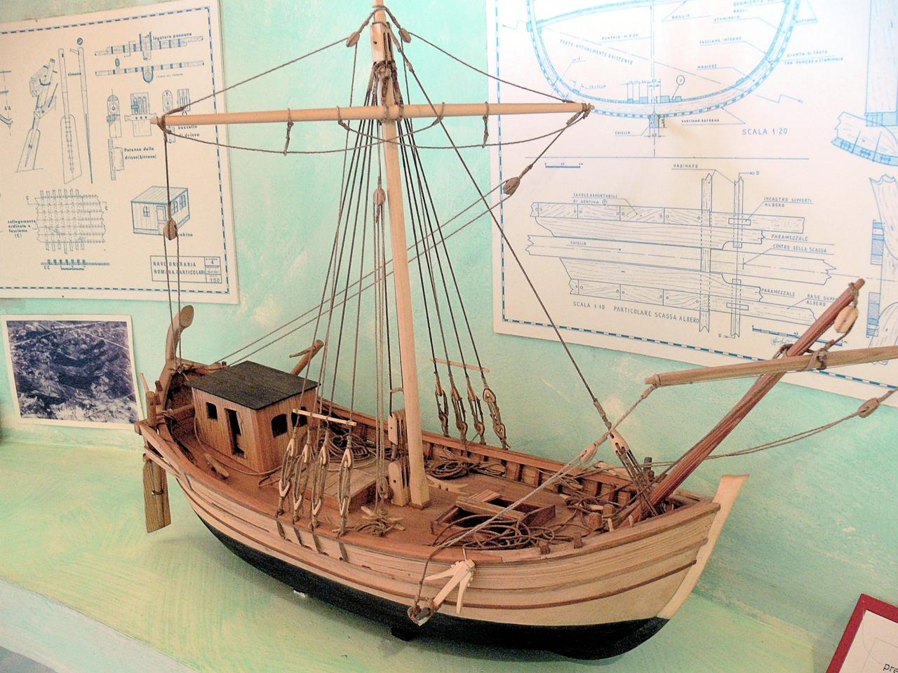 Model of a Roman merchant cargo ship (Photo: Wolfgang Sauber
