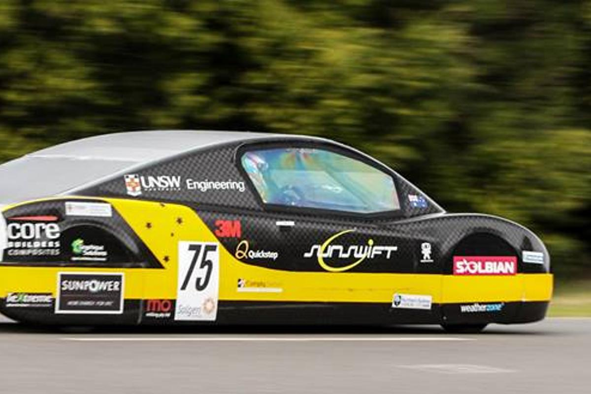 A group of Australian students has set a new world speed record for an electric vehicle (Photo: Sunswift / Daniel Chen)