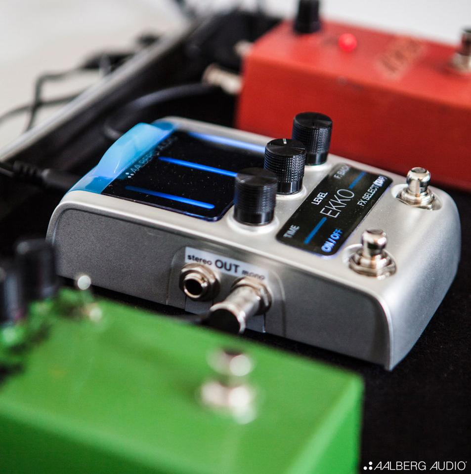 The parameters of the Ekko delay stomp can be wirelessly adjusted by using the Aero controller