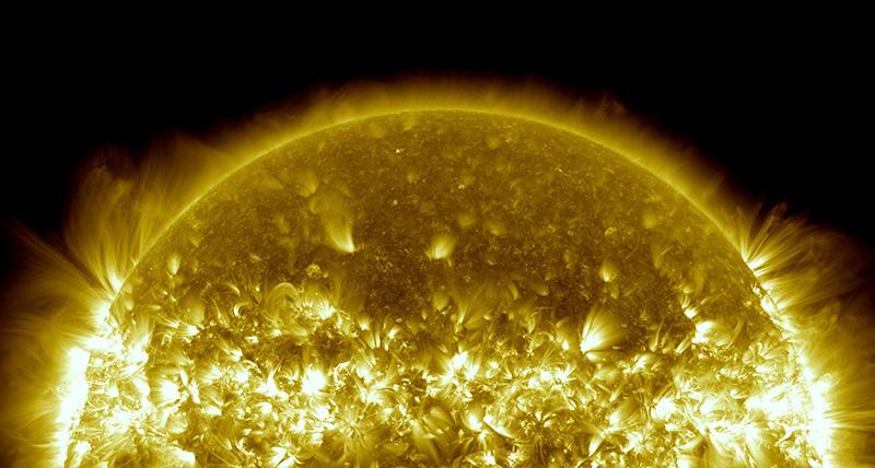 Composite of 25 separate images of the Sun captured buy NASA's SDO (Photo: NASA/SDO/AIA/S. Wiessinger)