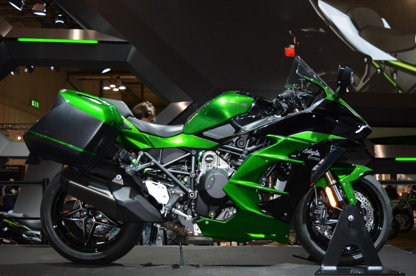 Kawasaki supercharges the way we think about sport touring with the 2018 H2 SX