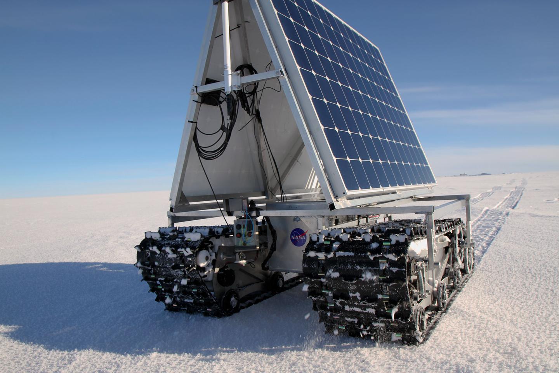 GROVER underwent a test of its power consumption at Greenland's highest spot, Summit Camp (Photo: NASA Goddard/Matt Radcliff)