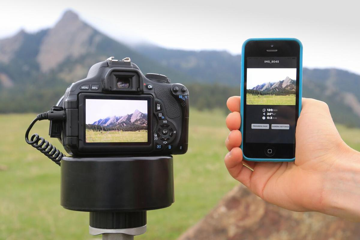 The Radian 2 time-lapse motion-controller can be wirelesslyprogrammed