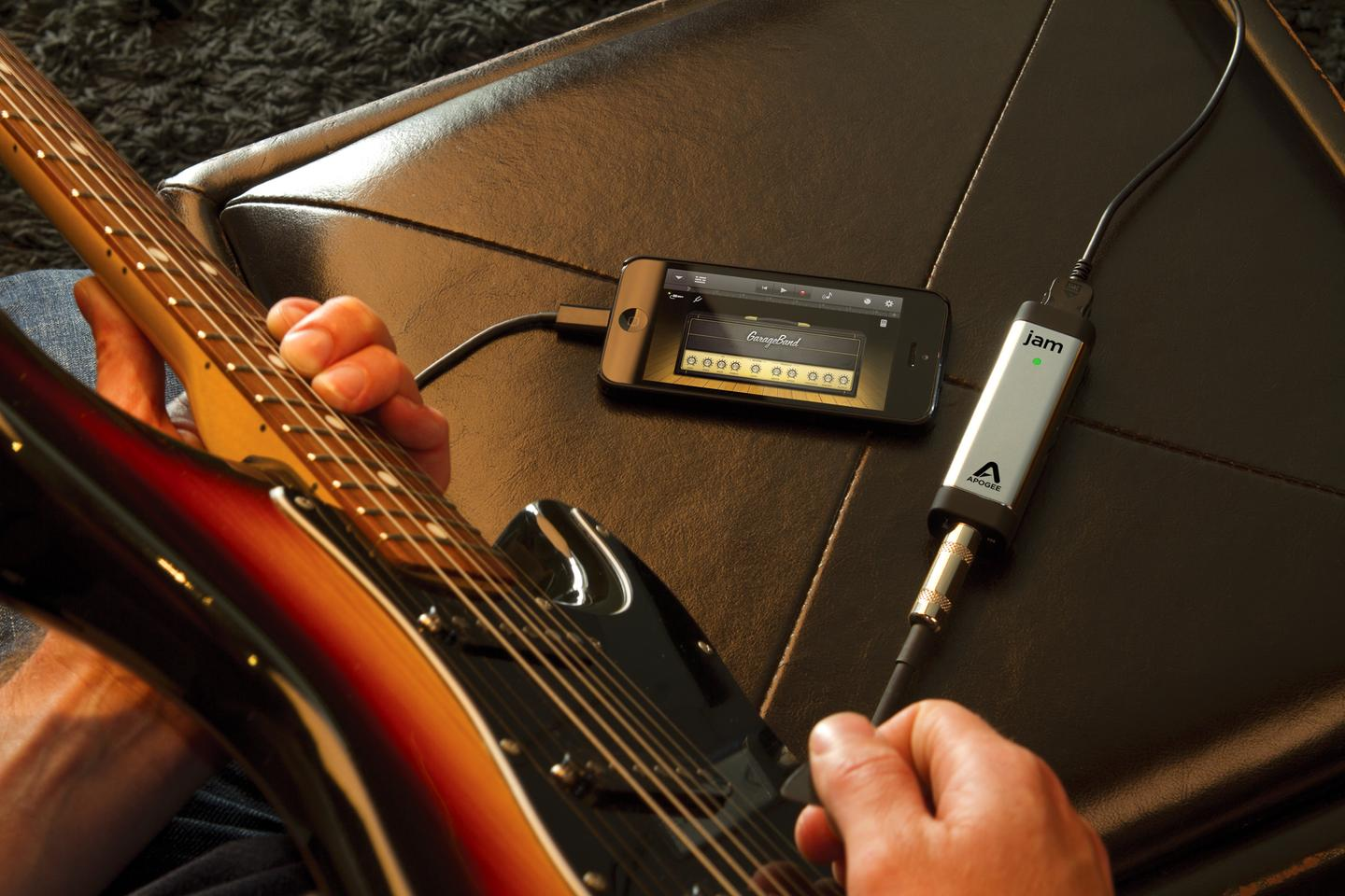 Apogee outs JAM 96k guitar interface and MiC 96k microphone