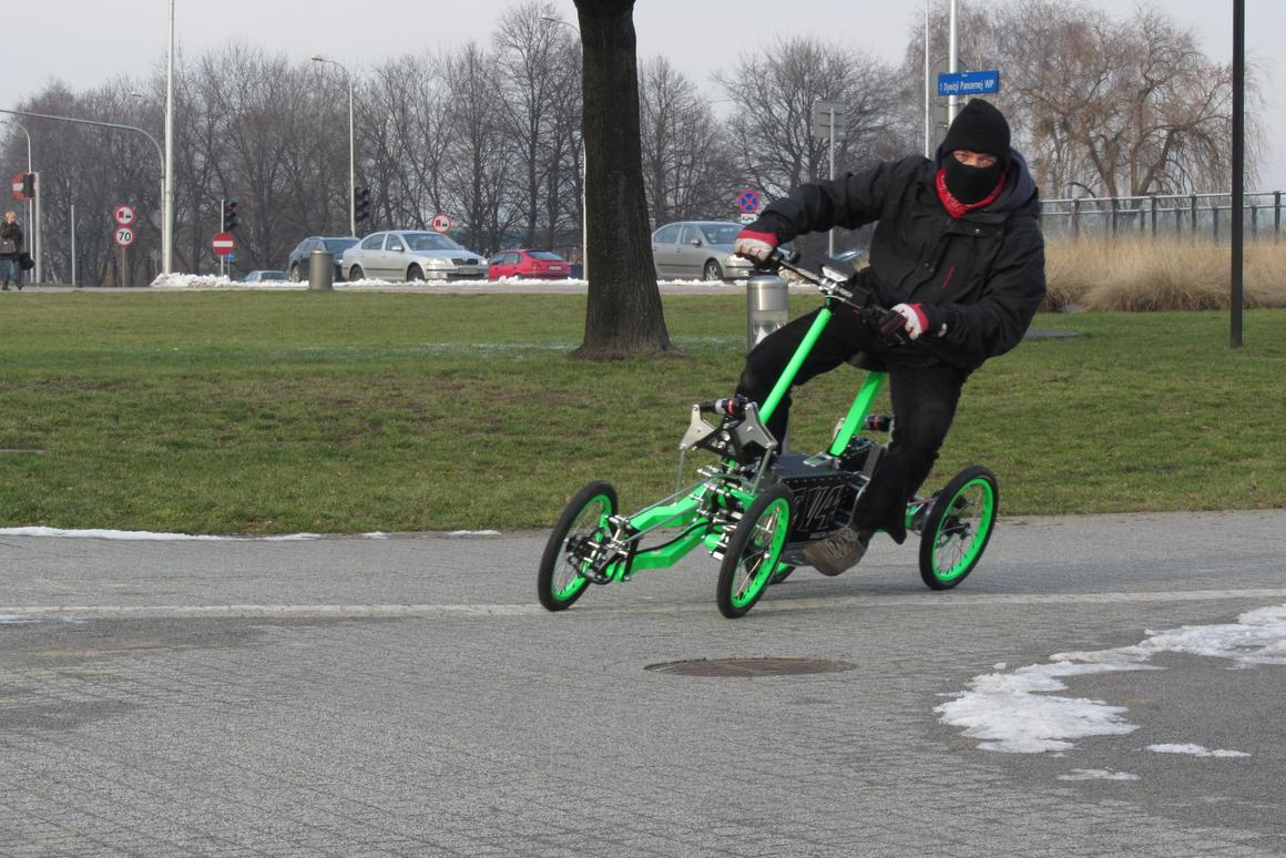 The EV4 tilting electric scooter from Jacek Skopinski