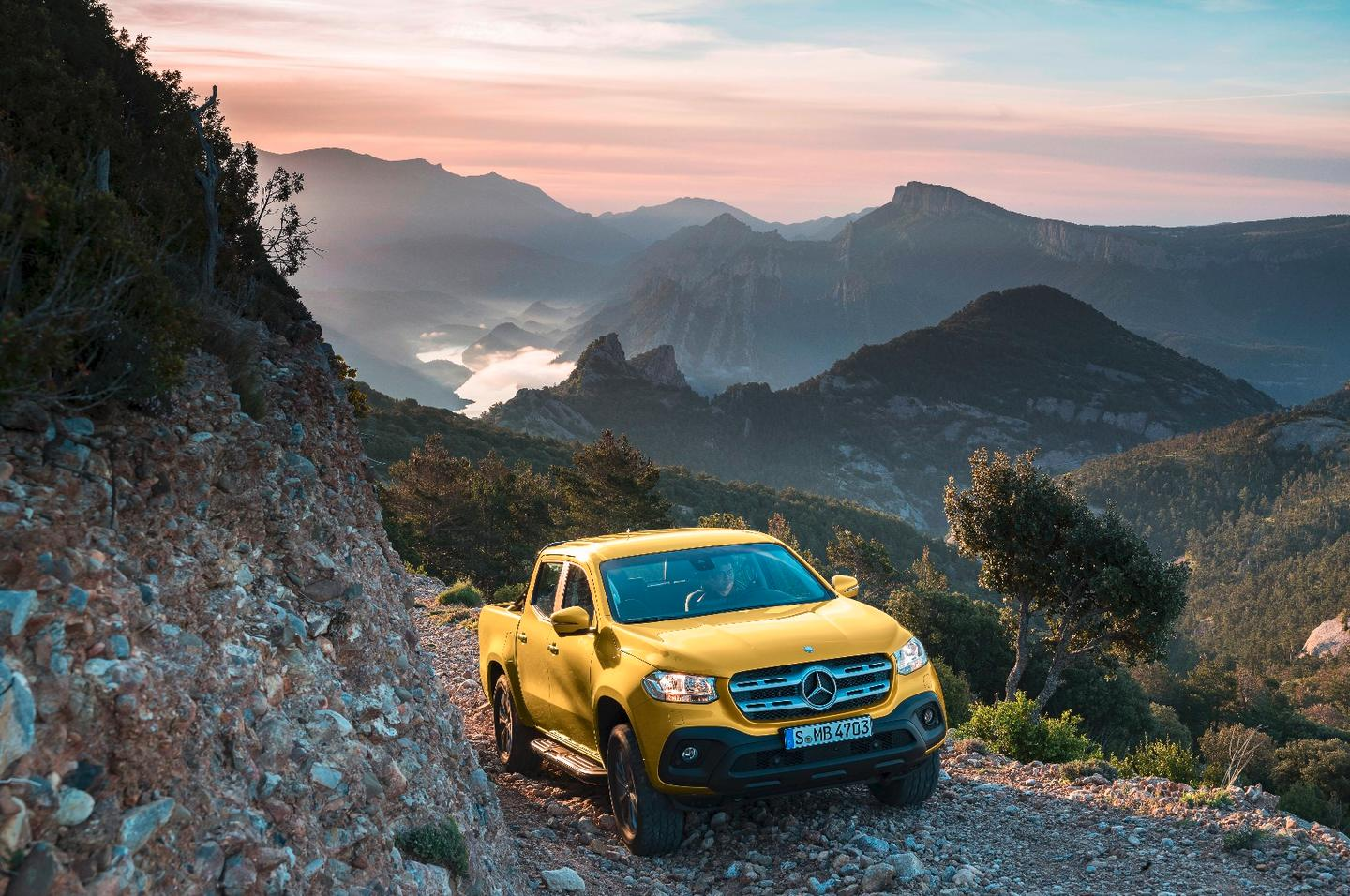 Mercedes X-Class mid-level Progressive trim with limonite yellow metallic paint