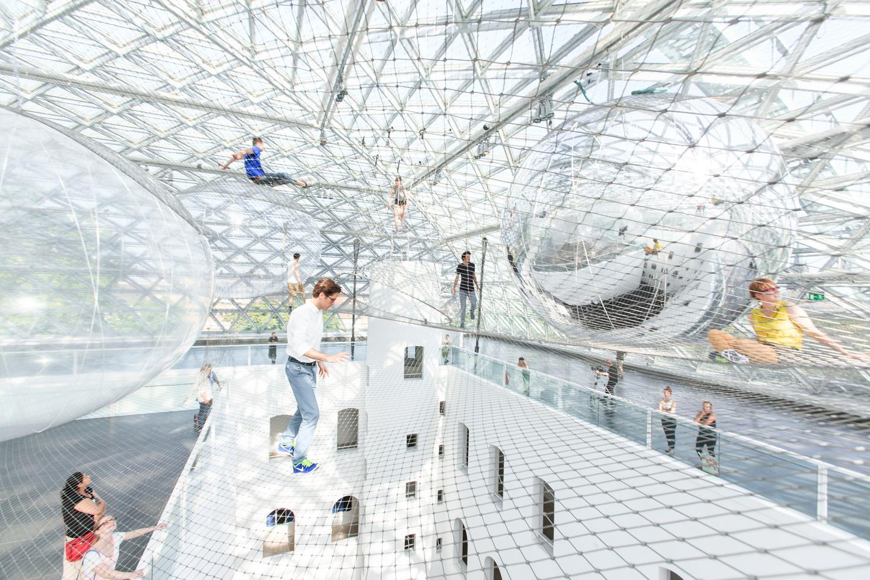 The in-orbit art installation by Tomás Saraceno is currently at the Kunstsammlung Nordrhein-Westfalen gallery (Image: Studio Tomás Saraceno © 2013)