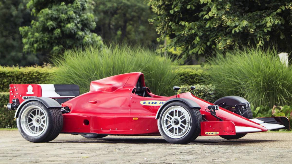 The Lola F1R is a street-ready Formula 1 race car