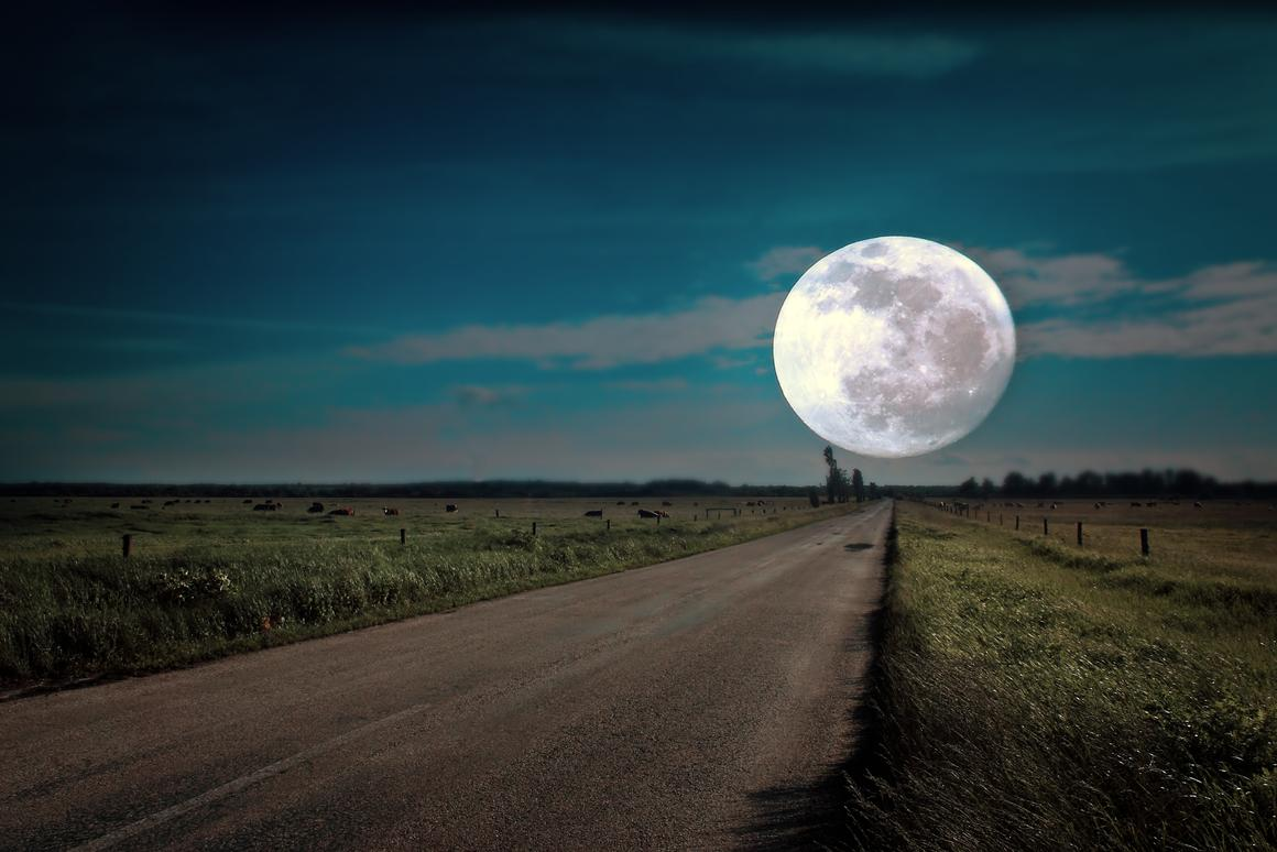 Imagine driving to the moon and back again six times (Photo: Balazs Kovacs /Shutterstock)