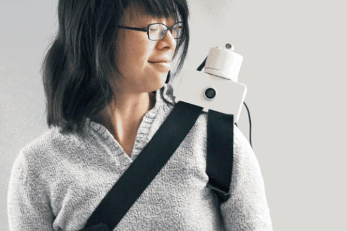The Grasp shoulder-perching robot whispers instructions in your ear while watching what you do (Photo: Akarsh Sanghi)