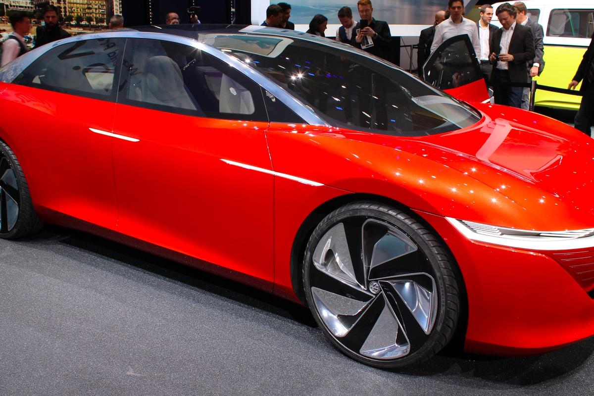 TheVolkswagen I.D. Vizzion Concept debuts at the 2018 Geneva Motor Show