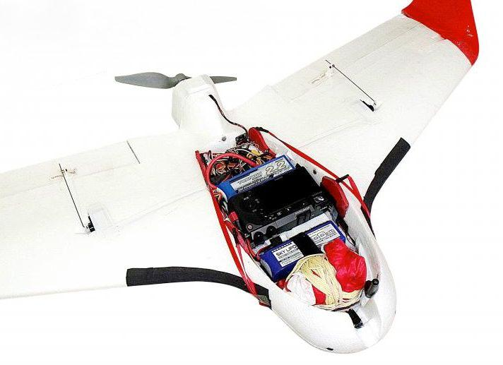 A look at some of the electronics and other features that Aeromao added to the stock Skywalker X5 Flying Wing
