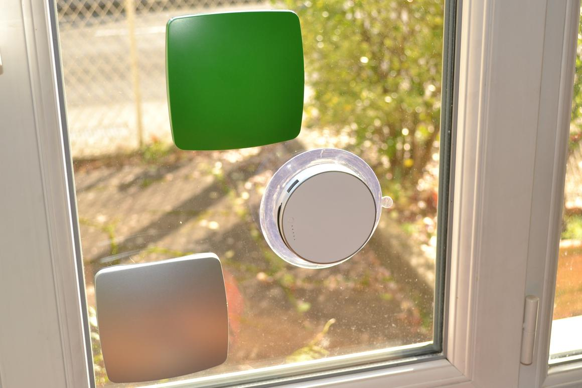 Gizmag reviews the Window and Port Solar Chargers from XD Design