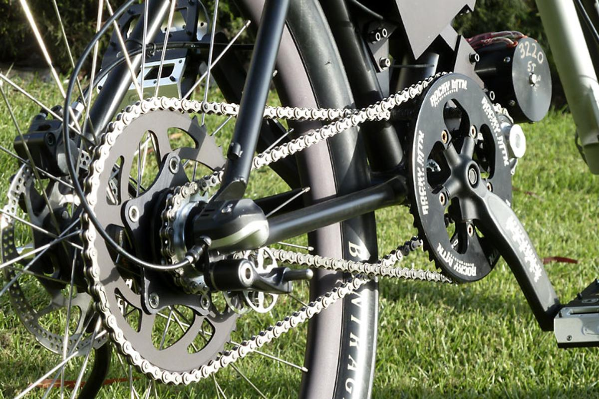 The eCortina v2 is a one-off hybrid bicycle designed to be motor-driven, pedal-assisted, or pedaled like a regular bike (Photo: Roy Prince)