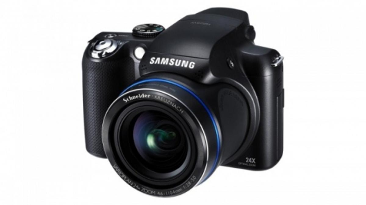 The HZ25W combines great looks with a powerful 24x optical zoom lens